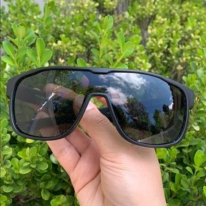 NWOT| Black Shield Sunglasses